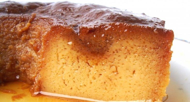 Pudim de Caramelo com Pinhões - http://www.entretaxos.com/pudim-de-caramelo-com-pinhoes/