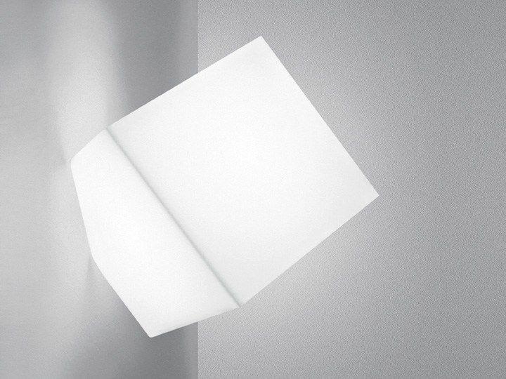 Wandleuchte aus thermoplastischem Kunstharz Kollektion Edge by Artemide Italia Design Alessandro Mendini