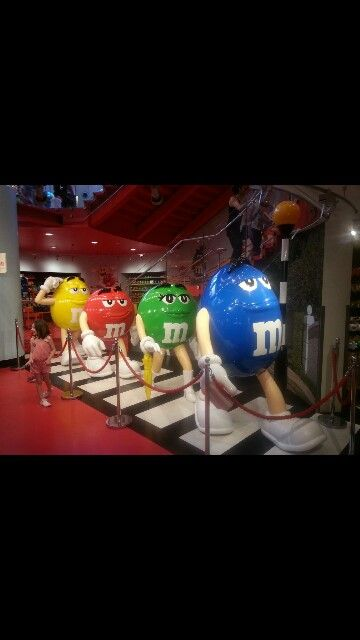 M&M shop