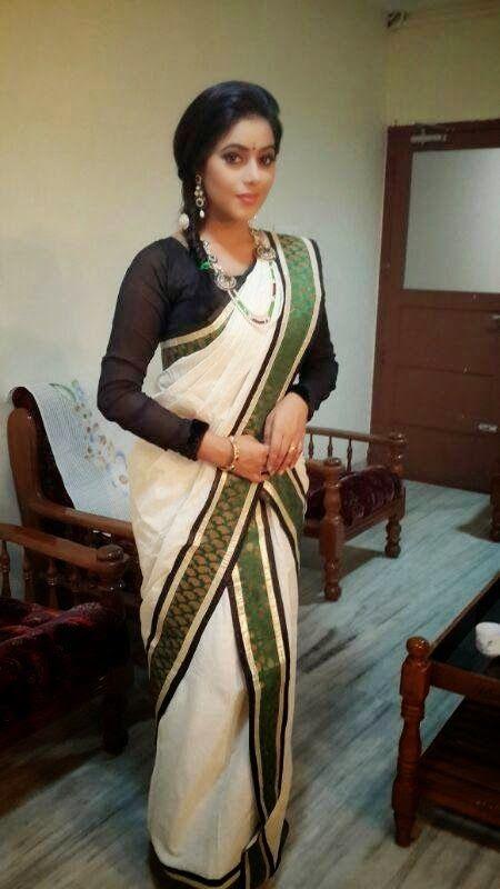 Shamna Kasim in Kerala Set Mundu