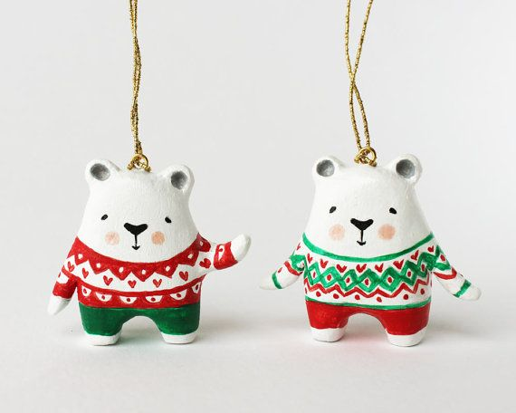 hehe christmas sweaters on polar bears.