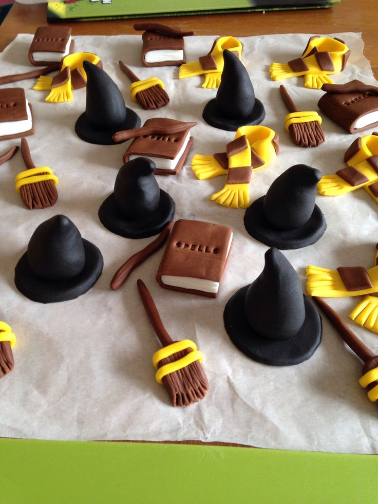 Harry Potter Cake Topper D Edible Gold Snitch Wand Magic Sorting Hat