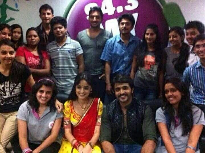 Sanaya Irani & Ashish Sharma with fans #Rangrasiya