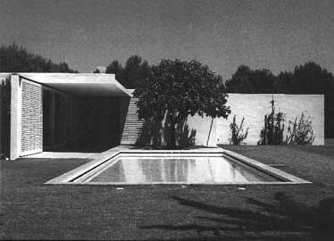GILI HOUSE, Sitges, Barcelona (Catalonia) 1965. Architect Josep Antoni Coderch i de Sentmenat. The site for this house, commissioned by the publisher Gustavo Gili.