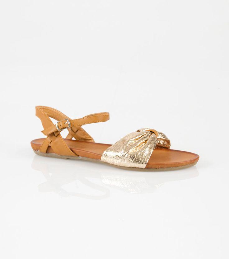 Sandalias mujer planas doradas 19,99 €