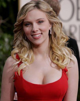 Scarlett Johansson: muy sexy   La opinión de César Pérez Méndez