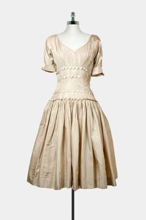 Pretty Pearl Dress  http://www.stillthelovely.com/pretty-pearl-dress.html