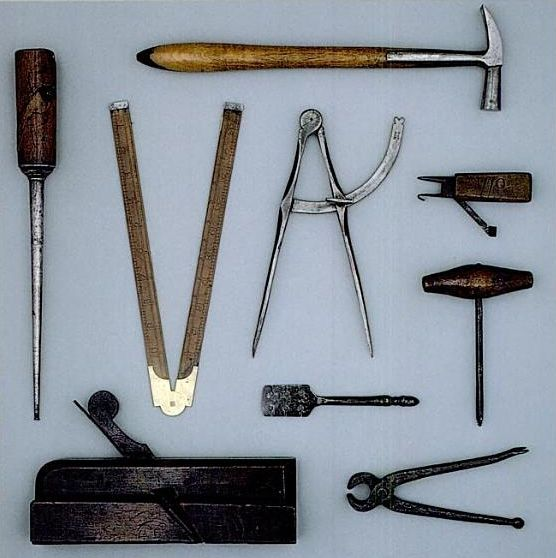 Colonial Carpenter's tools. Old school woodworkers. https://www.facebook.com/plansforwoodworking