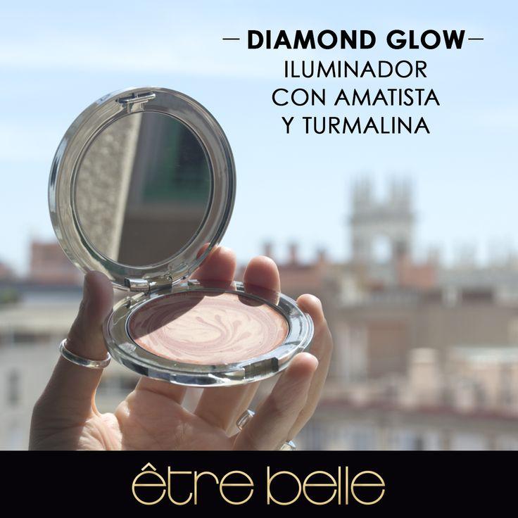 Diamond Glow: Iluminador Mineral en Crema de efecto soft focus de larga duración. Disponible en tres colores. Se aplica después del maquillaje para dar luz al rostro.