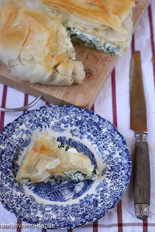Torta salata di pasta phillo con coste e ricotta 6
