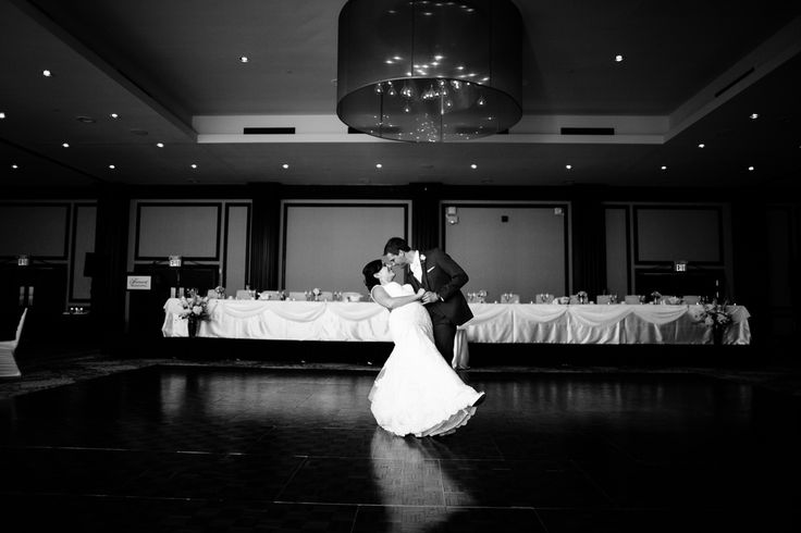 A dance and swirl (Photography by Cojo Photo)