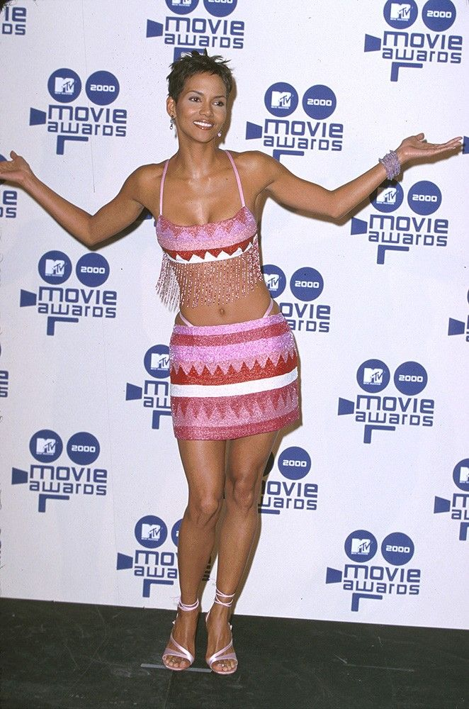 pWere starting to think Halle Berry has quite the crop top collection./p         div class=knot-creditCredit: Getty Images/div