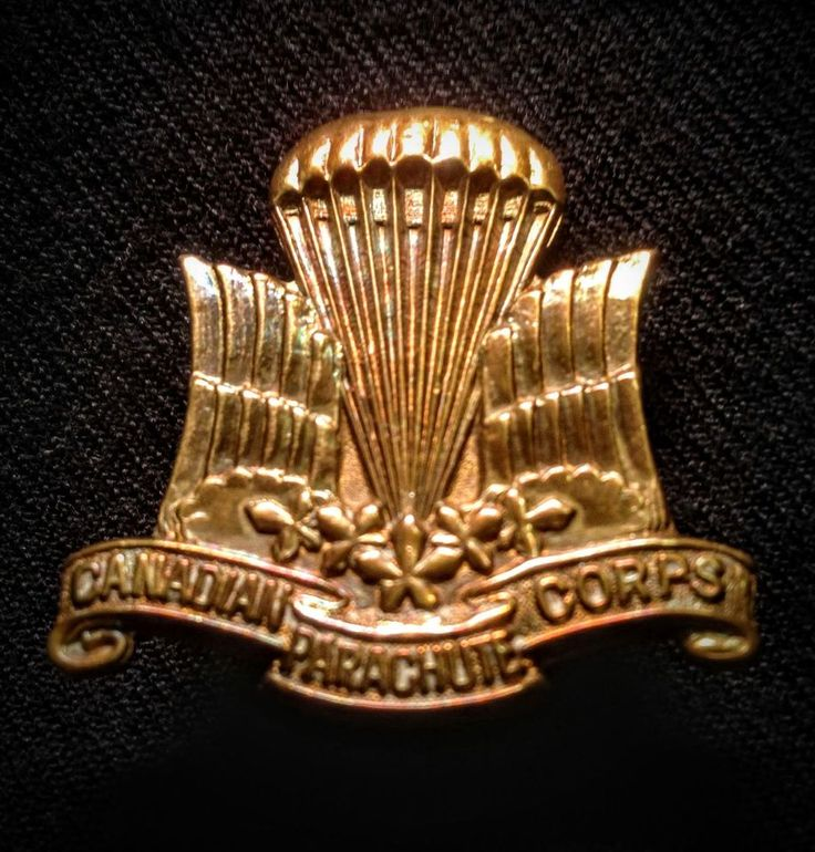 **AUTHENTIC* 2 WWII Canadian PARACHUTE & RCAF Corps Cap BADGES BRASS PARATROOPER