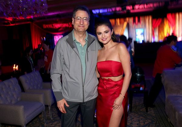 "Selena Gomez Photos Photos - Chairman, Motion Picture Group, Sony Pictures Entertainment Tom Rothman (L) and actress Selena Gomez attend the ""Hotel Transylvania 2"" party during Summer Of Sony Pictures Entertainment 2015 at The Ritz-Carlton Cancun on June 14, 2015 in Cancun, Mexico. #SummerOfSonyPictures #HotelT2 - Summer of Sony Pictures Entertainment 2015 - Day 3"