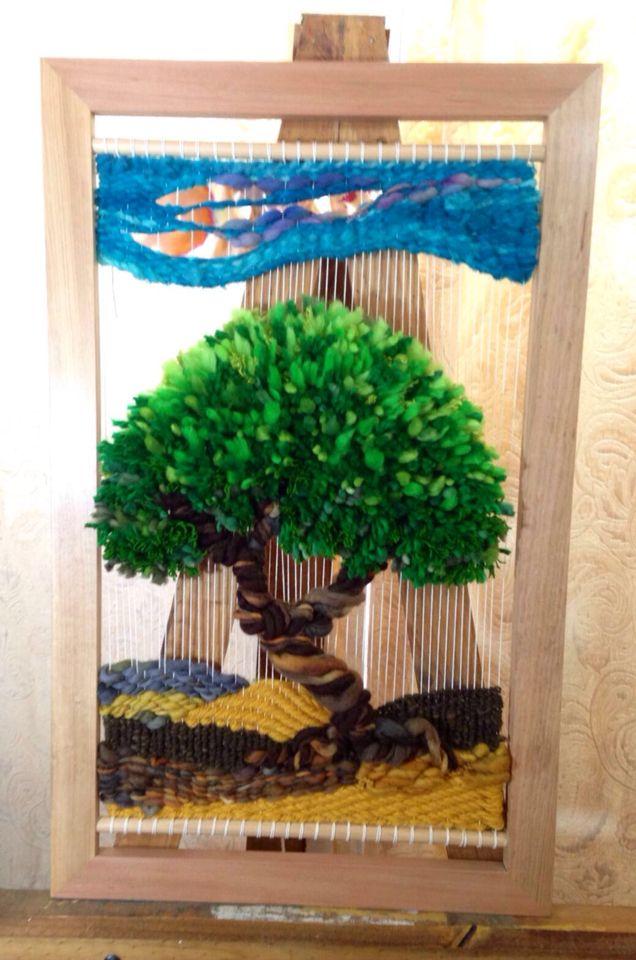 Árbol de la vida en telar con aplicaciones de cobre