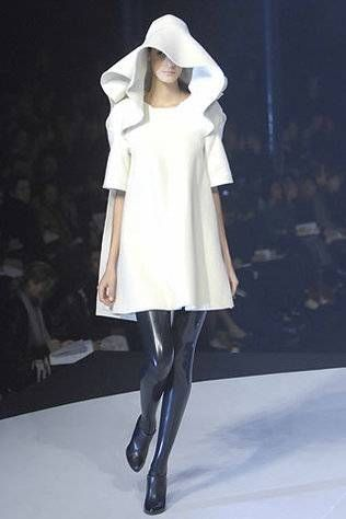 Hussein Chalayan Autumn/Winter 2007/08