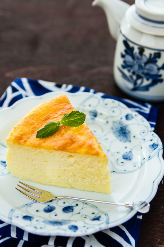 Japanese Cheesecake (Souffle Cheesecake) Recipe (Let the cheesecake cool in the oven with the door ajar to prevent it from collapsing)