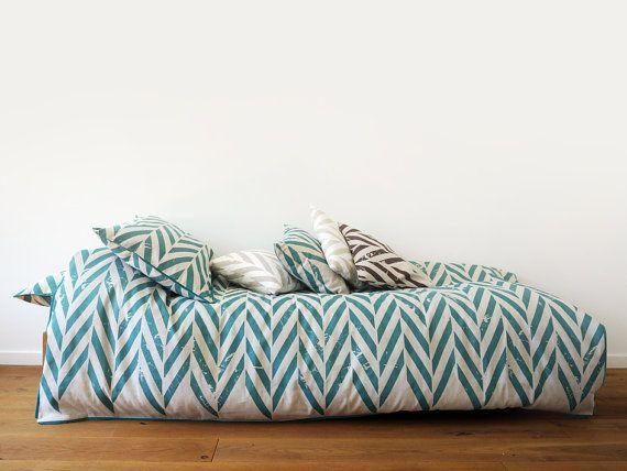 Linen duvet SINGLE TWIN or DOUBLE by Lovely Home Idea. Aqua Zigzag Chevron printed linen with corduroy piping on www.balticdesigns.nl Exclusive shipping in the Netherlands, Belgium  Germany.