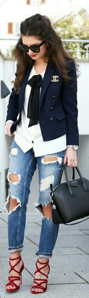 Rock Ripped Jeans / Fashion Hippie Loves: