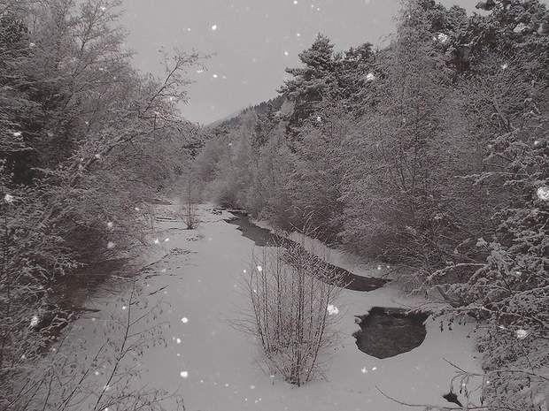 Rivière enneigée, dans les Alpes de Haute-Provence en France, par Domi Colombani / Communauté GEORetrouvez d'autres…