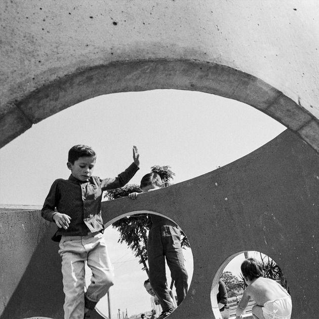 """""""Parque Infantil Clube Esperia"""" s/d Impressão fine ar em papel, 30 x 30 cm Waldemar Cordeiro Luciana Brito Galeria"""