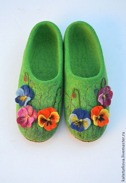"""Обувь ручной работы. Ярмарка Мастеров - ручная работа Тапочки """"Радужные"""". Handmade."""