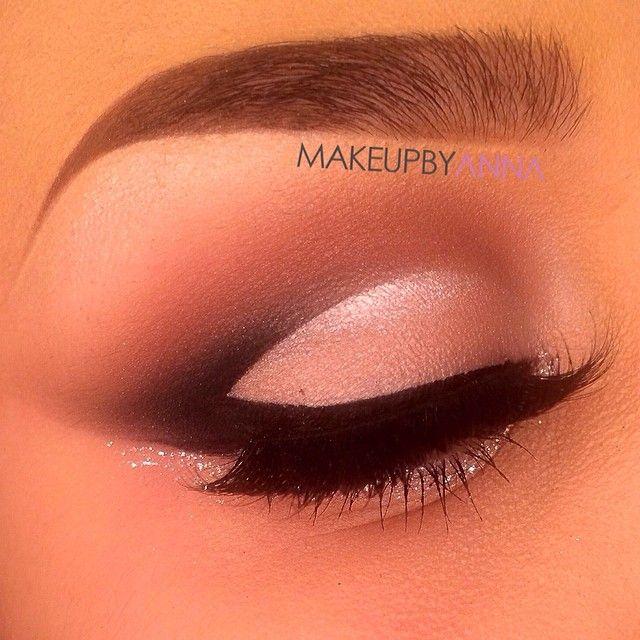 Glamorous cut crease eyeshadow