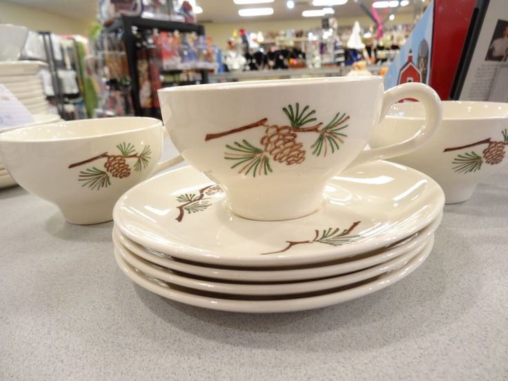 set of 4 Vintage Stetson Marcrest COFFEE TEA CUPS & SAUCERS PINE CONE DESIGN   #StetsonMarcrest