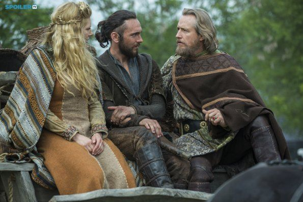 Vikings season 3 - Promotional Episode Photos Episode 3.01 - Mercenary, I love that these three clearly get a plot together!!!