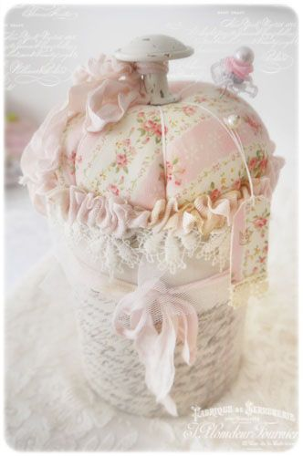 1000 images about shabby chic sewing room craft room on for Boite shabby chic