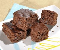 Satisfy that sweet tooth with a batch of chocolate chip Agave Brownies made with C&H® organic agave nectar. Try this tasty recipe today!