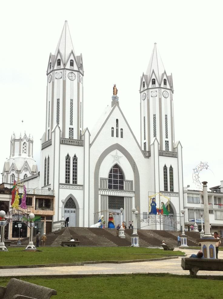 Iglesia en Santa Rosa de Cabal. Colombia ( mi pueblo amado)