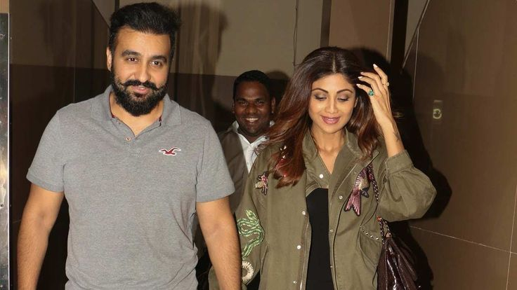 Shilpa Shetty & Raj Kundra On A Movie Date At PVR Cinemas - Juhu - Download This Video   Great Video. Watch Till the End. Don't Forget To Like & Share Shilpa Shetty & Raj Kundra On A Movie Date At PVR Cinemas - Juhu For More Updates: Subscribe to: https://www.youtube.com/user/movietalkies Like us on: http://ift.tt/1IrrvsY Follow us on: https://twitter.com/MovieTalkies Follow us on: http://ift.tt/2kSWHKW  Download This Video  Video