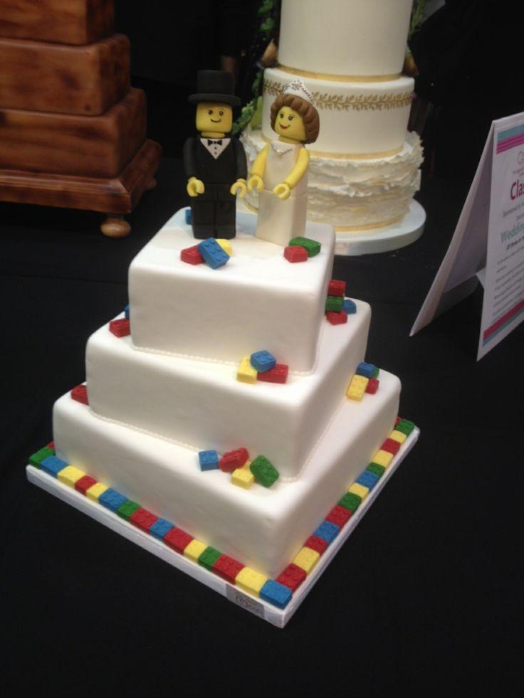 17 Best ideas about Lego Wedding Cakes on Pinterest Lego ...