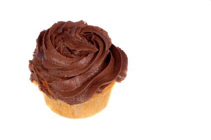 Vanilla Cupcakes filled with Raspberry Jam topped with Chocolate Ganache: Chocolates Ganache, Vanilla Cupcakes, Cupcakes Fillings, Chocolates Cupcakes, Jam Tops, Cupcakes Ice, Raspberries Jam, Cupcakes Rosa-Choqu, Birthday Ideas