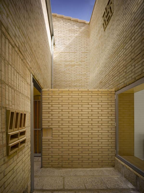 27 VPO en Mocejón, Toledo ● Arquitecto: Luis Martínez Santa-María ● Arción ● Hispalyt, Primer premio de la X Edición Nacional del Premio de Arquitectura con Ladrillo 2009