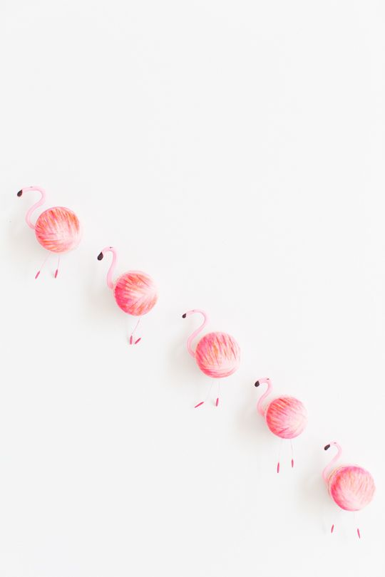 DIY flamingo macarons | sugar & cloth #glossaryofmacs