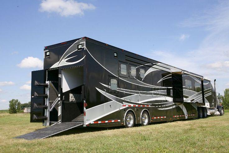 Featherlite's 53' horse trailer