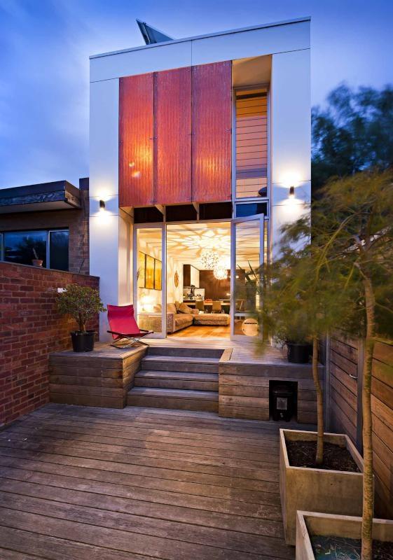 Courtyard Oasis - Fitzroy North, Victoria Australia