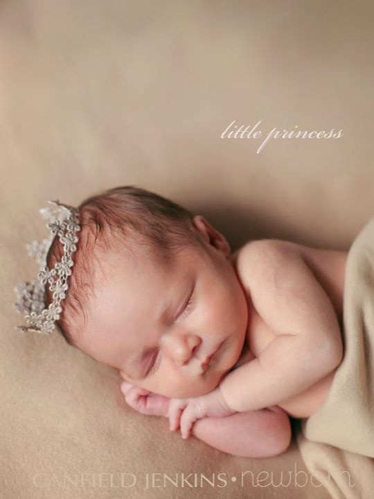 Love these little newborn crowns: Babies Photography, Newborns Pictures, Photo Ideas, Baby Princesses, Princesses Crowns, Ideas Baby, Baby Photography, Photography Ideas, Little Princesses