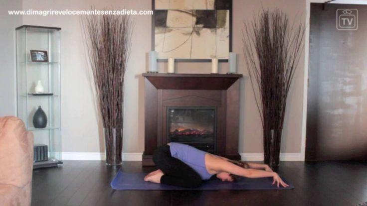 Posizione del Bambino Balasana Dimagrire con il Fitness Yoga Video 1