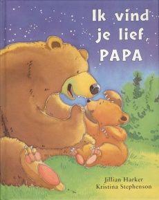 Als kleine beer merkt dat hij niet alles zelf kan, staat papa beer voor hem klaar.