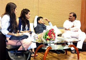 केन्द्रीय ऊर्जा मंत्री का स्वागत   Pratahkal