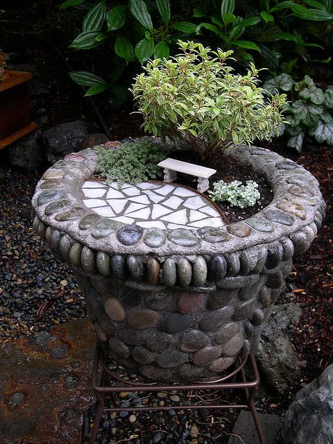 69 best images about bird bath garden planters on pinterest gardens bird baths and planters. Black Bedroom Furniture Sets. Home Design Ideas