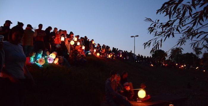 Benátská noc patriotů u hráze Boreckého rybníka