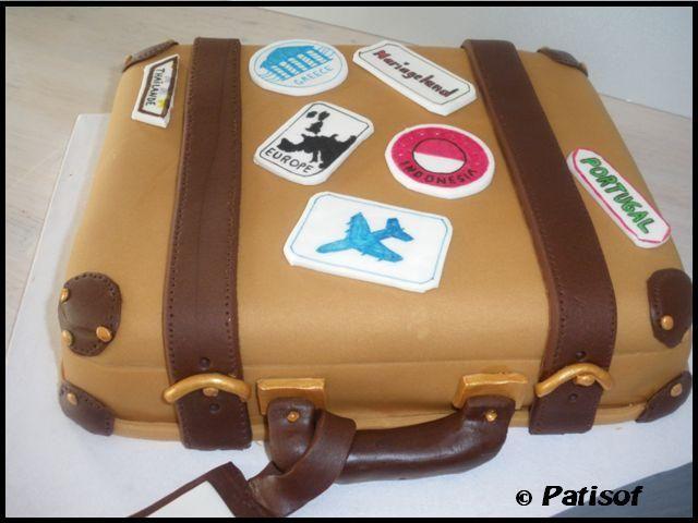 Gateau en forme de valise
