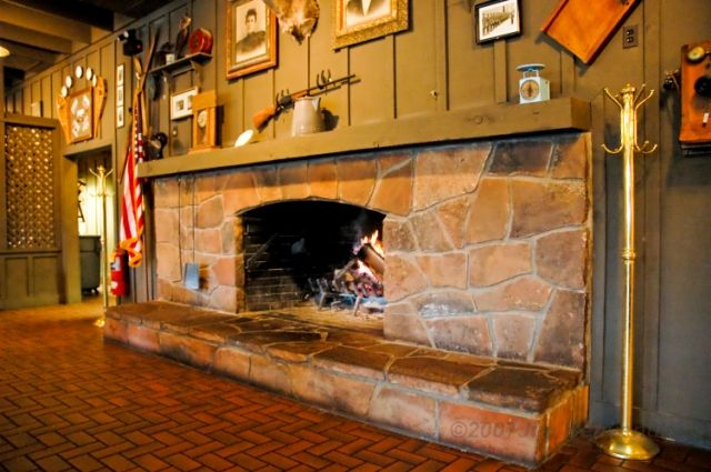 I Want A Huge Fireplace Like At Cracker Barrel With A
