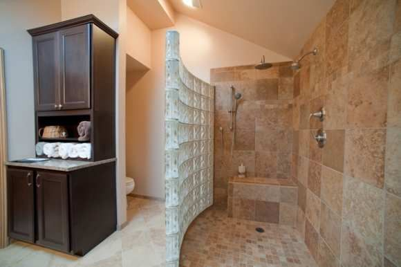 Doorless walk in shower walk in shower bathroom Walk in shower designs
