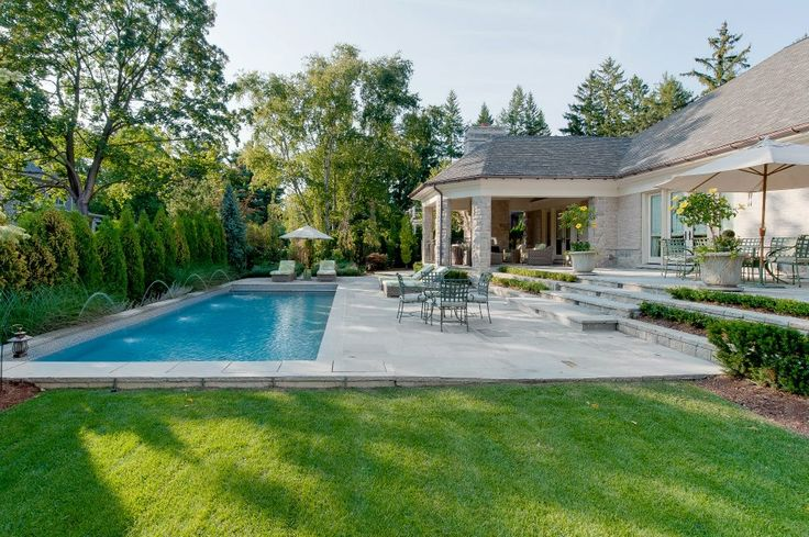 luxury mansion built by Canadian home builder, Carlos Jardino in Oakville oNtario #swimmingpool #luxuryoutdoorspace #luxuryrealestate