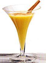 """Saabajon en Colombia 1 lt. Leche, 1/2 lb. azúcar, 2 ramas de canela, 1 botella de  """"aguardiente"""" o alcohol potable, 8 yemas de huevo, Ponga la leche, azúcar y canela en una olla y hierva hasta que se ponga rosada. Apague el fuego y déjelo enfriar. Aparte bata las yemas de huevo y mézclelas con la leche, déjela hervir de nuevo ( Sáquelo del fuego y déjelo enfriar. Una vez que este frió agregue el aguardiente. Póngalo en una botella y guárdelo en el refrigerador hasta que lo vaya a beber"""